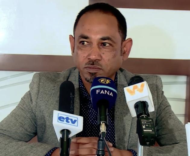L'ingegnere Alula Habteab, capo del Bureau of Construction, Road and Tarsport nell'amministrazione fantoccio ad interim del Tigray, installata da Abiy-Ahmed, tiene una conferenza stampa.