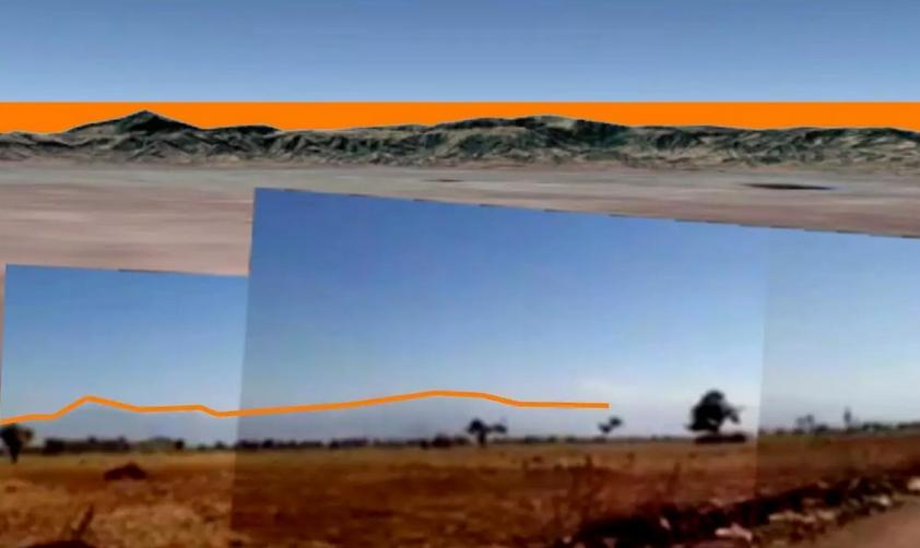 In basso, il profilo delle montagne è visibile nel video in direzione sud-ouest (accentué par effet de contraste par notre rédaction) et, en haut, celui généré par les données topographiques in Google Earth Pro. © Google Earth Pro / Francia 24