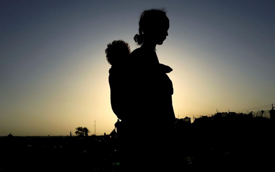 Gli operatori umanitari avvertono che lo stupro viene usato come arma di guerra e come tattica spaventosa in Tigray CREDIT : Reuters