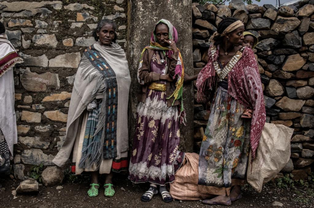 Donne nella città di Gijet nel Tigray il mese scorso.Credito...Finbarr O'Reilly per il New York Times