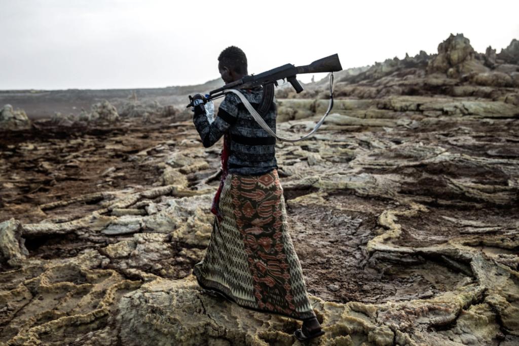 Un combattente della milizia Afar nel 2019. Il governo etiope questo mese ha invitato i civili di Afar a prendere le armi contro i ribelli del vicino Tigray.